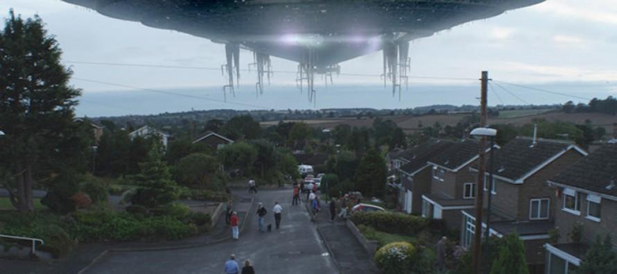 Jean-Claude Van Damme contra los aliens en Alien Uprising