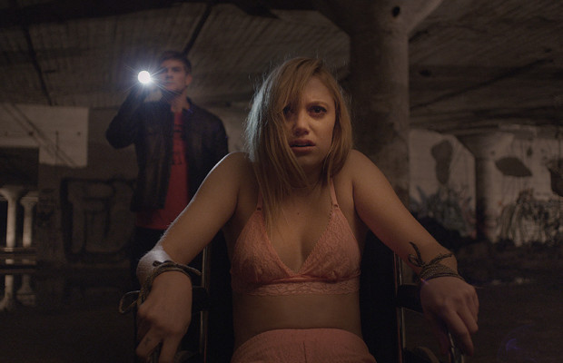 it follows imagen
