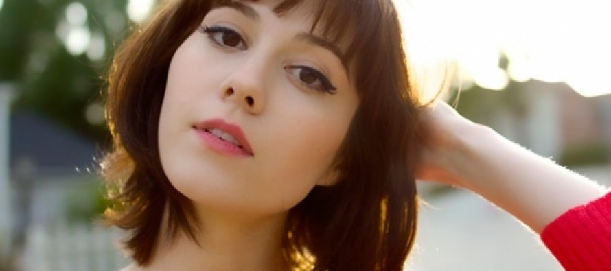 Mary Elizabeth Winstead en el film Valencia o The Cellar