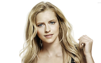Teresa Palmer protagonizará Lights Out
